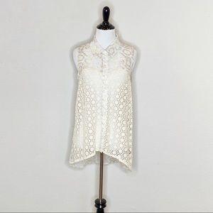 Love Stitch collared sleeveless crochet blouse